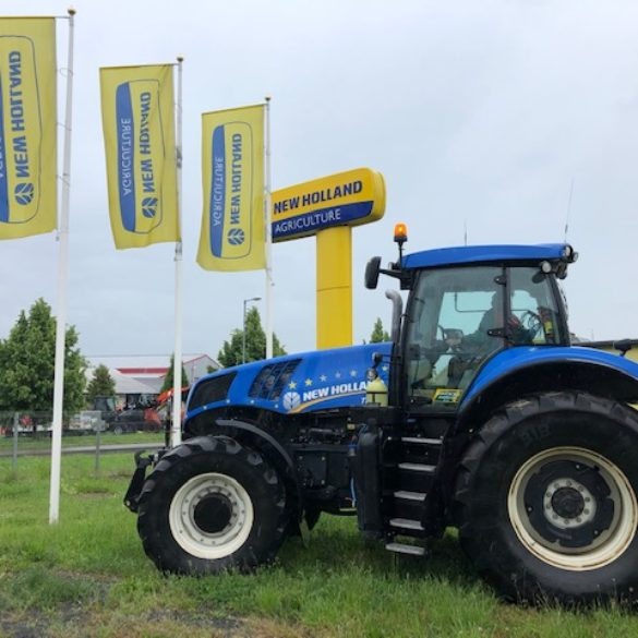 Kolový traktor New Holland T8.390
