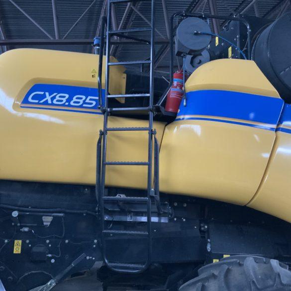 Sklízecí mlátička New Holland CX8.85
